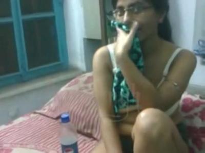 desi Indian call girl in hotel