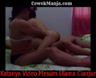 Download vidio bokep Skandal Bokep Ulama Cianjur Threesome mp4 3gp gratis gak ribet