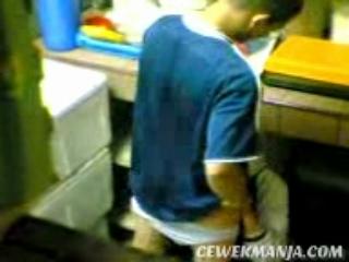 Download vidio bokep Cewek Jilbab Mesum ngewe di Dapur mp4 3gp gratis gak ribet