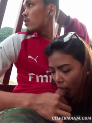 Download vidio bokep Video SEX Ayam Kampus Pamer Aksi Ngulum Kontol mp4 3gp gratis gak ribet